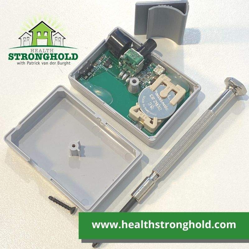 Micro Alert 2 by Alphalab, the tiny personal RF Radiation battery replacement